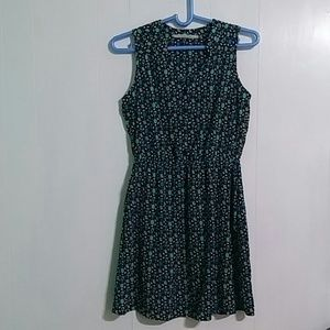Hawthorn Sleveless Dress Medium Lenght